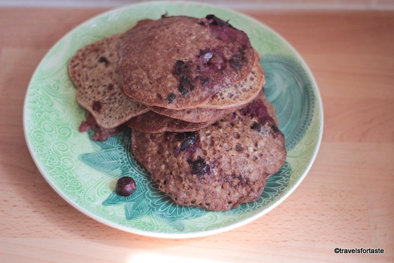 Ragi and Blueberry Pancakes , Finger Millet Blueberry Pancakes, Nachni chya god polya