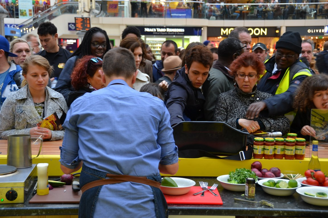 Old El Paso pop up causes a stir at London Victoria